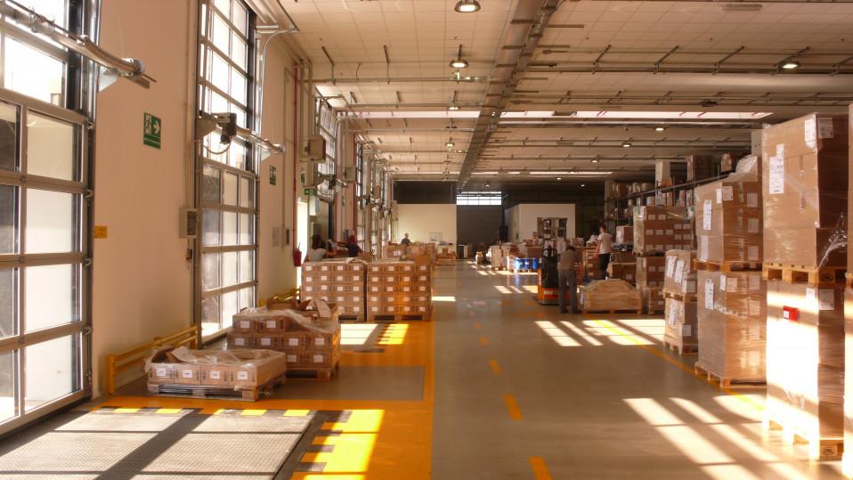 L'interno del magazzino  / Ermentini Architetti