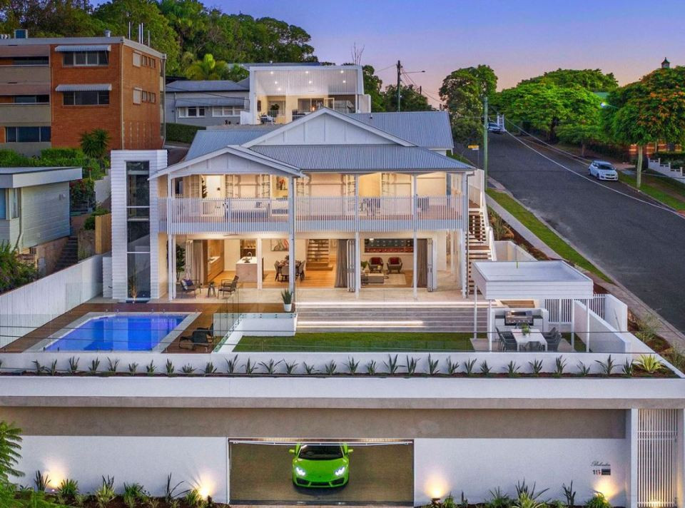 Una Spettacolare Villa In Vendita Con Due Piscine Cantina Cinema E Una Lamborghini Idealista News