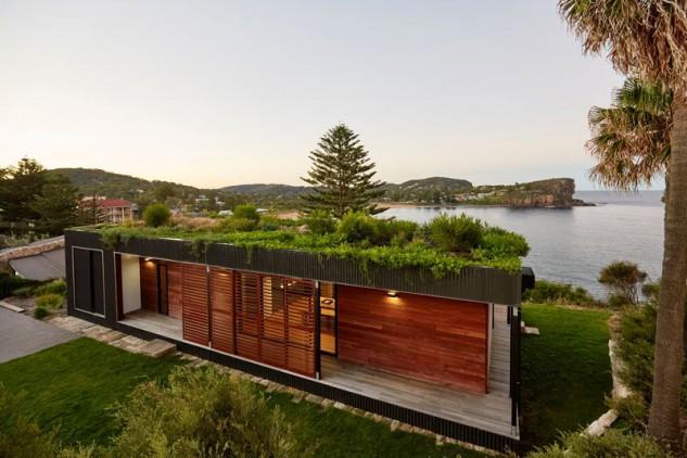 Una casa con tetto verde costruita in meno di sei settimana