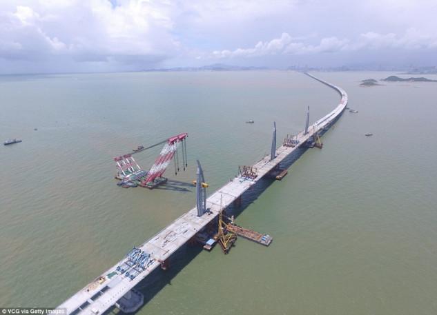 Il ponte del fiume Pearl (Hong Kong), 2.300.000.000 di euro