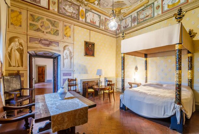 i soggiornarono ben tre Papi: Leone X e Clemente VII e Paolo III Farnese / Lionard Luxury real estate