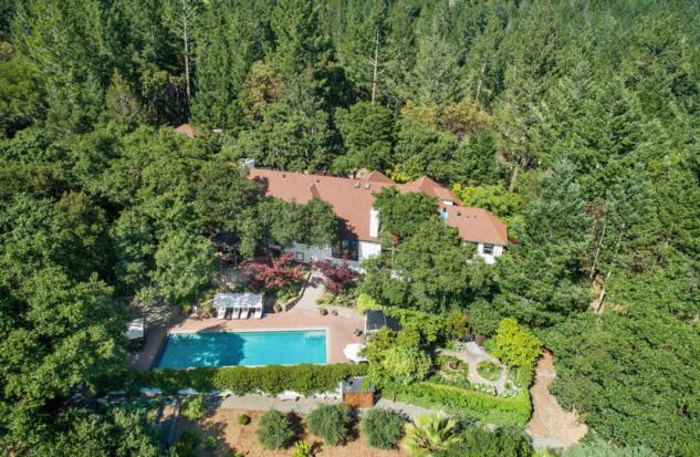 Vista della proprietà dall'alto / Open Homes