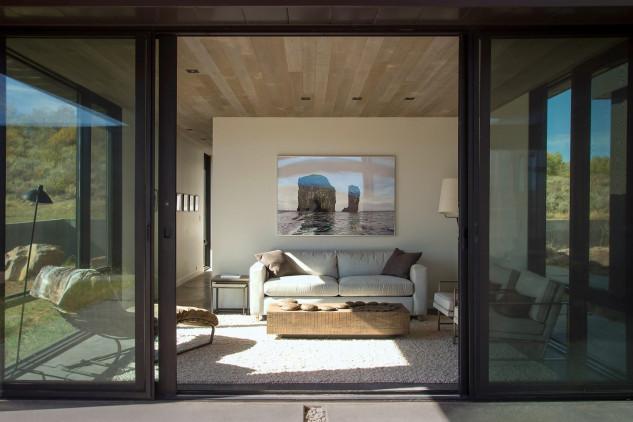 Le vetrate mantengono isolata l'abitazione