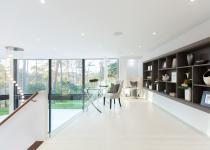 Immagine 2 - Un'incredibile villa inglese immersa nel verde con vista sulla Manica