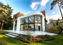 Immagine 0 - Un'incredibile villa inglese immersa nel verde con vista sulla Manica