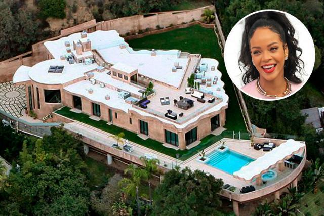 Rihanna In Vasca Da Bagno.Rihanna Si Regala Una Villa Da 9 Milioni Di Euro A Los Angeles
