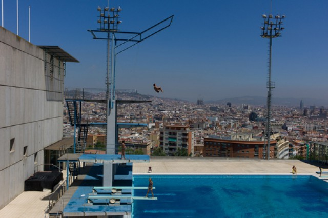 piscina municipale del montjuic a barcellona.  © 2012 the olympic city project
