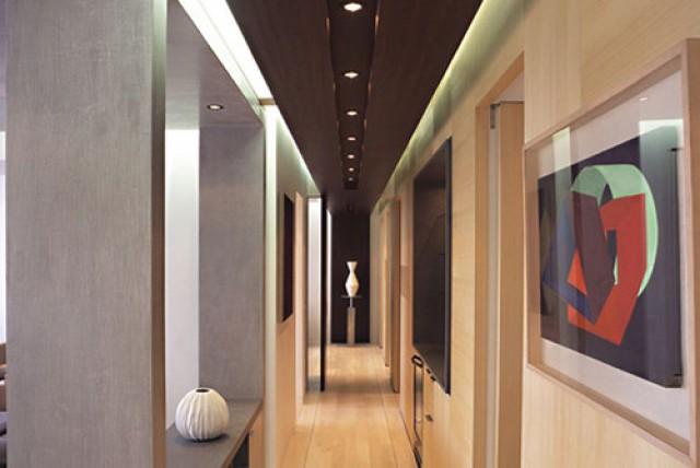 Illuminazione Corridoio Lungo E Stretto : 9 idee per decorare un corridoio stretto fotogallery u2014 idealista news
