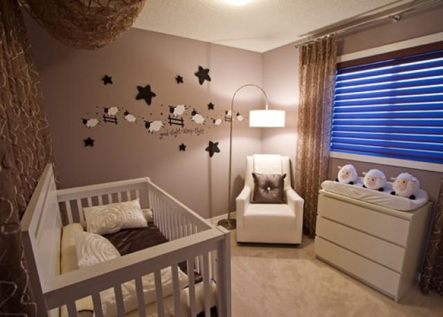 Consigli utili per decorare la cameretta di un neonato
