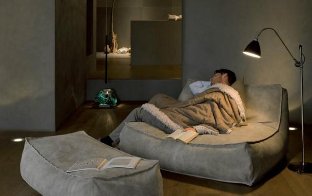Un modello di divano comodo per il soggiorno