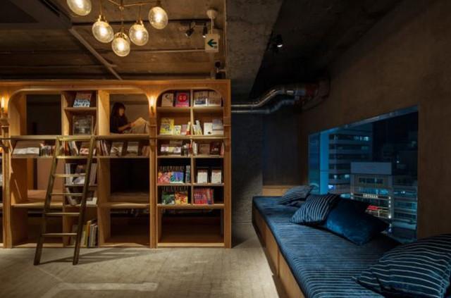 L'hotel biblioteca in Giappone