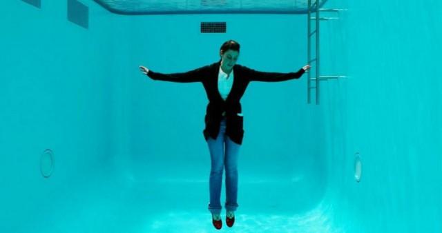 La piscina che produce lo spettacolare effetto ottico