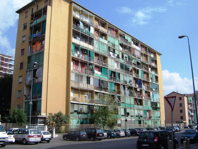 case popolari di Quarto Oggiaro, Milano. fonte (wikipedia cc)