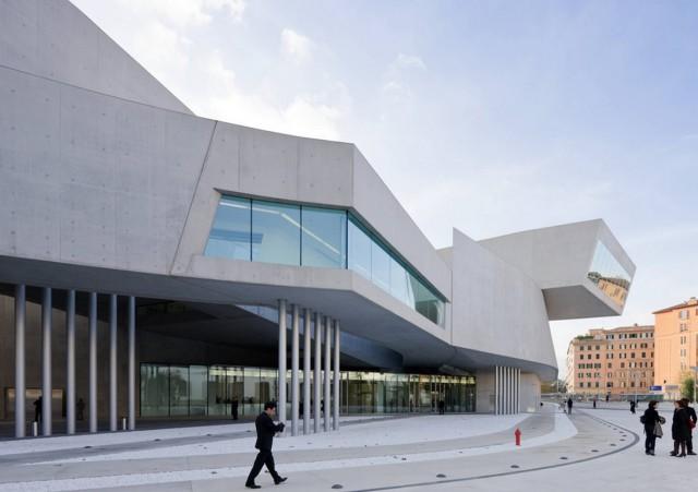Maxxi - Museo nazionale delle arti del XXI secolo (www.zaha-hadid.com)