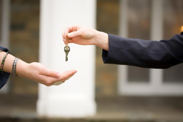 Leasing immobiliare, si perde la casa dopo il mancato pagamento di sei rate