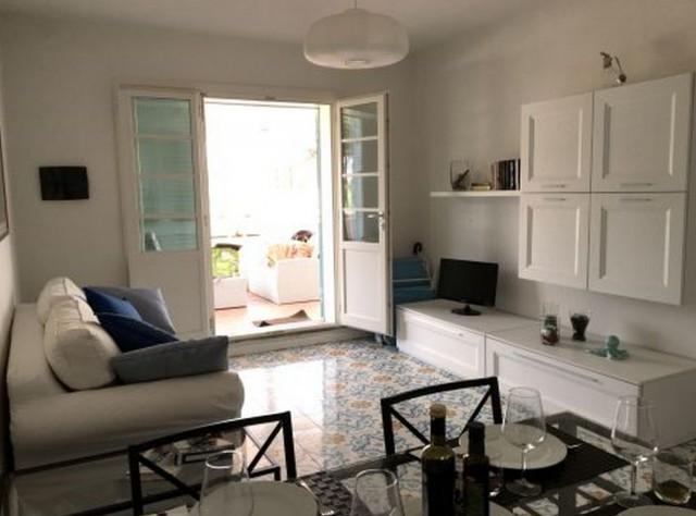 Casabook immobiliare lo staging di una casa vacanze come for Arredamento a poco prezzo