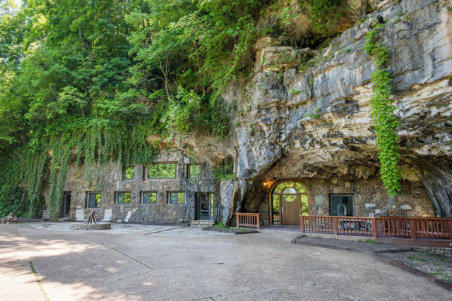 La Casa Nella Roccia.In Vendita La Casa Scavata Nella Roccia Piu Lussuosa Del Mondo Che E