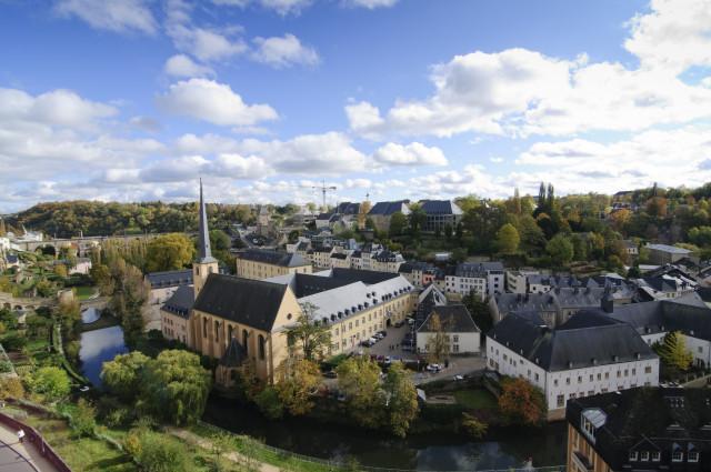 Una vista dall'alto della città vecchia del Lussemburgo / Gtres