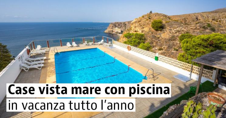 Case in vendita con piscina e vista sul mare