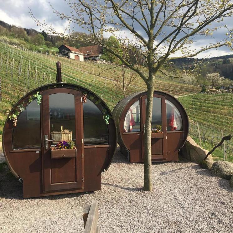 Un hotel a misura per gli amanti del vino / Schlafen im Weinfass