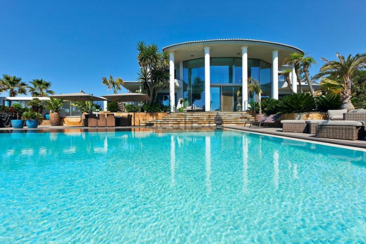 Piscina e vista mare per una splendida vista sull'Algarve
