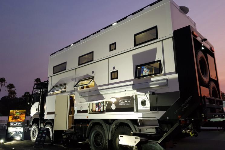 Un'immagine esterna del veicolo / SLRV Expedition Vehicles