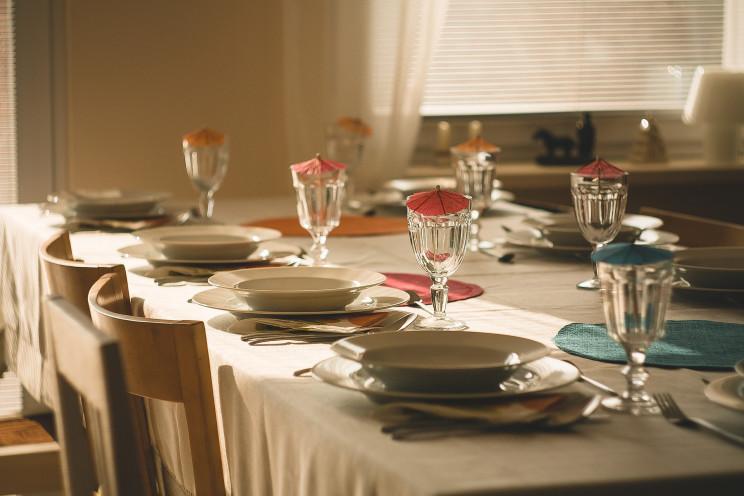 Come ricevere ospiti a cena